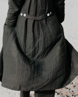 musta 2 - coat