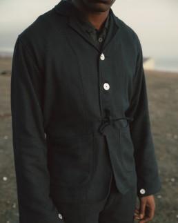 musta 3 - jacket