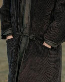 musta 4 - coat